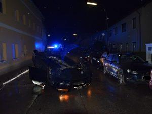Verkehrsunfall – Auto am Dach